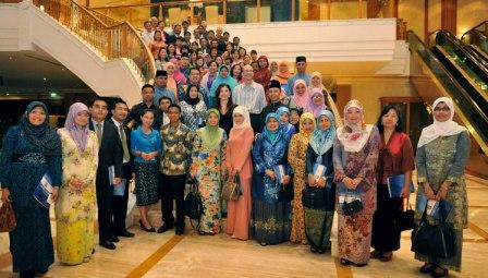 ASEAN Teachers and Officials Receive English Training in New