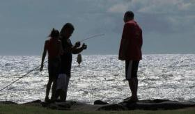 Family fishing on Maui