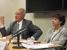 Left to Right: Hans Klemm and Wendy Cutler field questions from the audience at an off-the-record seminar at the East-West Center in Washington.